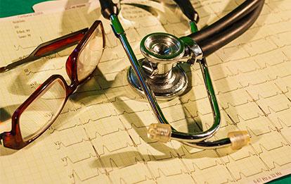Electrocardiografía clínica práctica